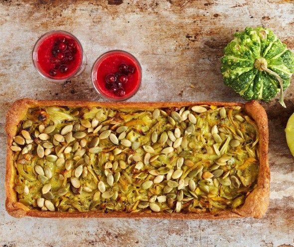 Baking/Leivonta: Cabbage pumpkin pie/Kaali-kurpitsapiirakka ja puolukkashotti