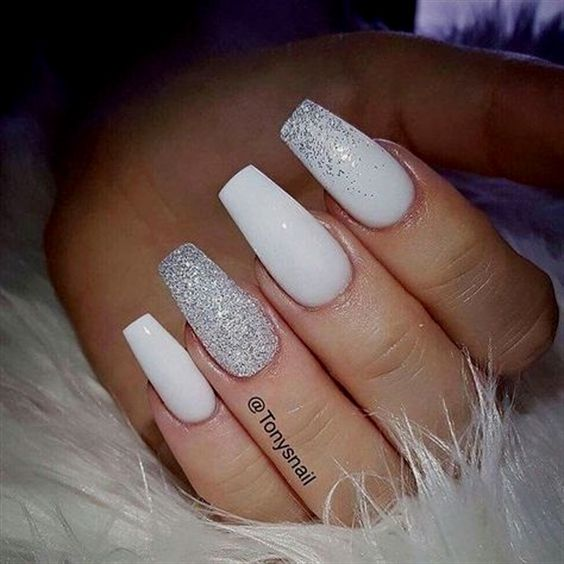 These Beautiful Classy White And Sparkly Nails Are You Looking For Short Coffin Acrylic Nail Design That Are Exc White Coffin Nails Sparkly Nails Trendy Nails