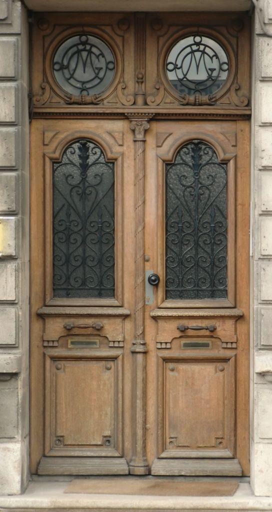 Porte Haussmannienne Inspiration Louis Xiv Portes Fenetres Inspirations Portes Fenetres Habitation Viv Portes Anciennes Porte D Entree Portes