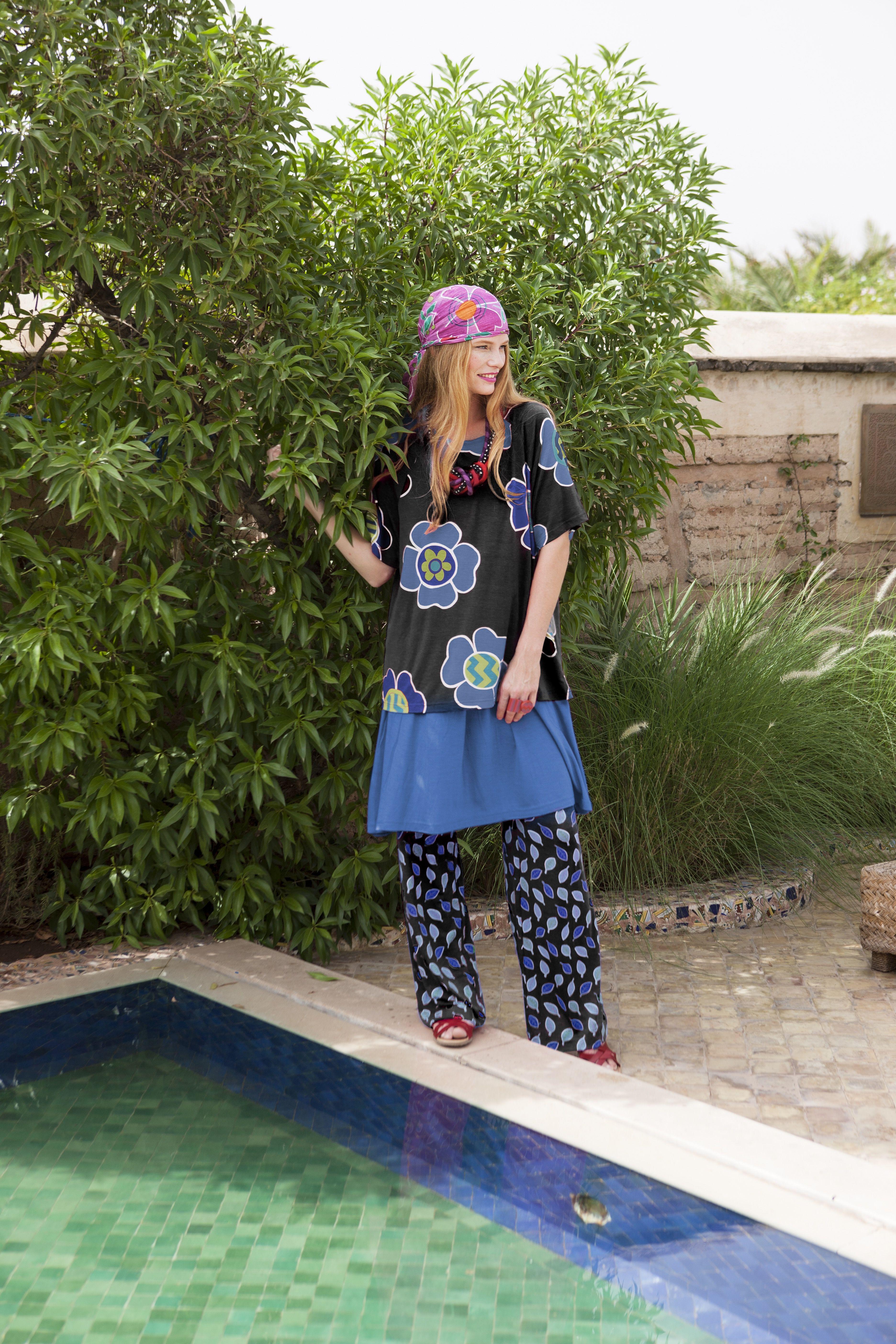 Gudrun Sjödéns Sommerkollektion 2015 - Das Shirt Flox passt wunderbar zu Einfarbigen wie auch zu anderen Mustern - Hauptsache die Farben stimmen!