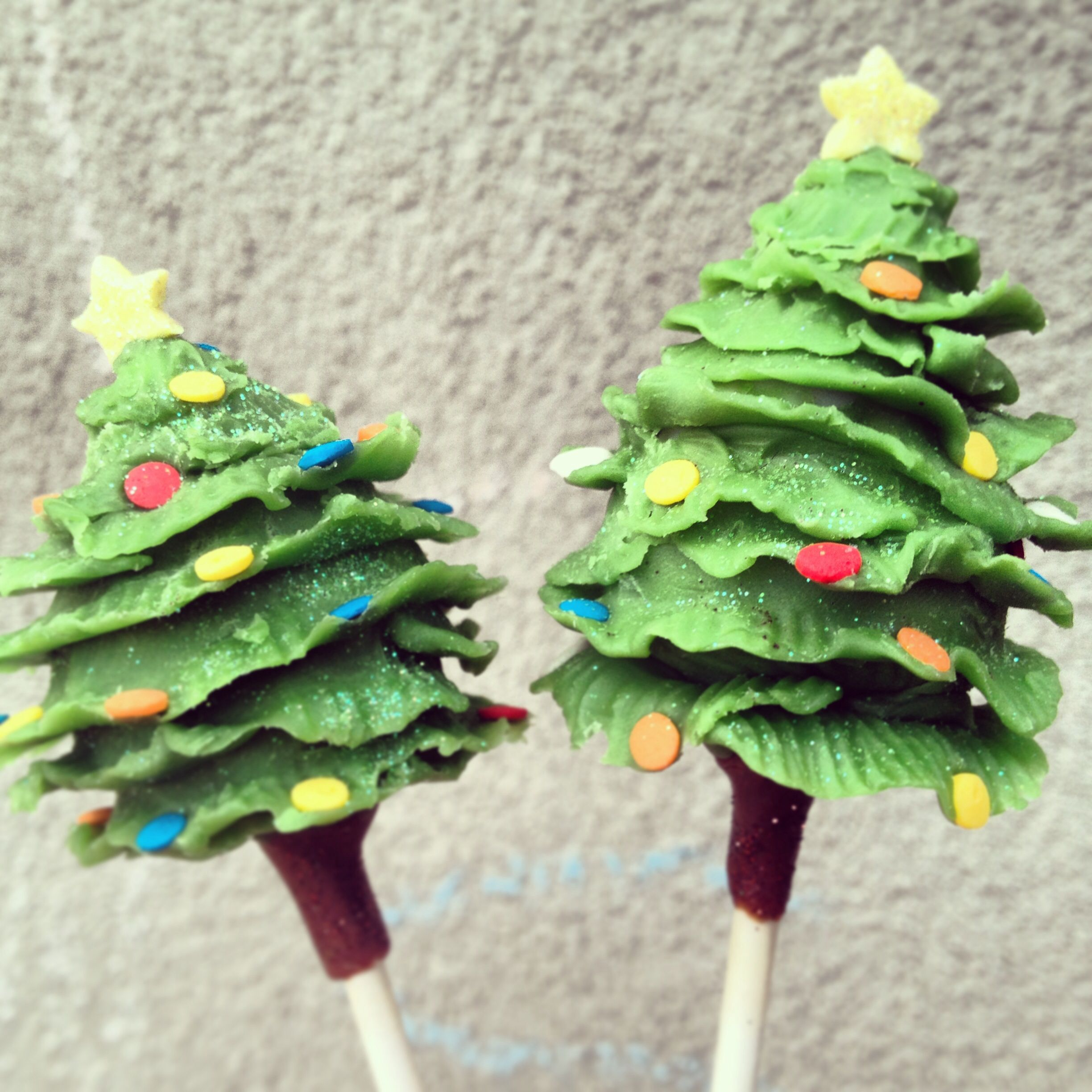 Christmas Tree Cake Pops Stylicious Cake Pops Pinterest