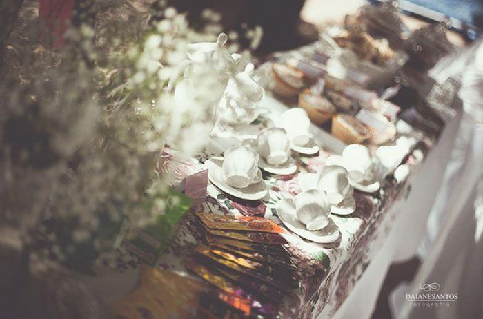 Noivado: Daiane e Elielton   Blog do Casamento - O blog da noiva criativa!   Noivados reais http://www.blogdocasamento.com.br/noivado-nova-estrutura/noivados-reais/noivado-daiane-e-elielton/