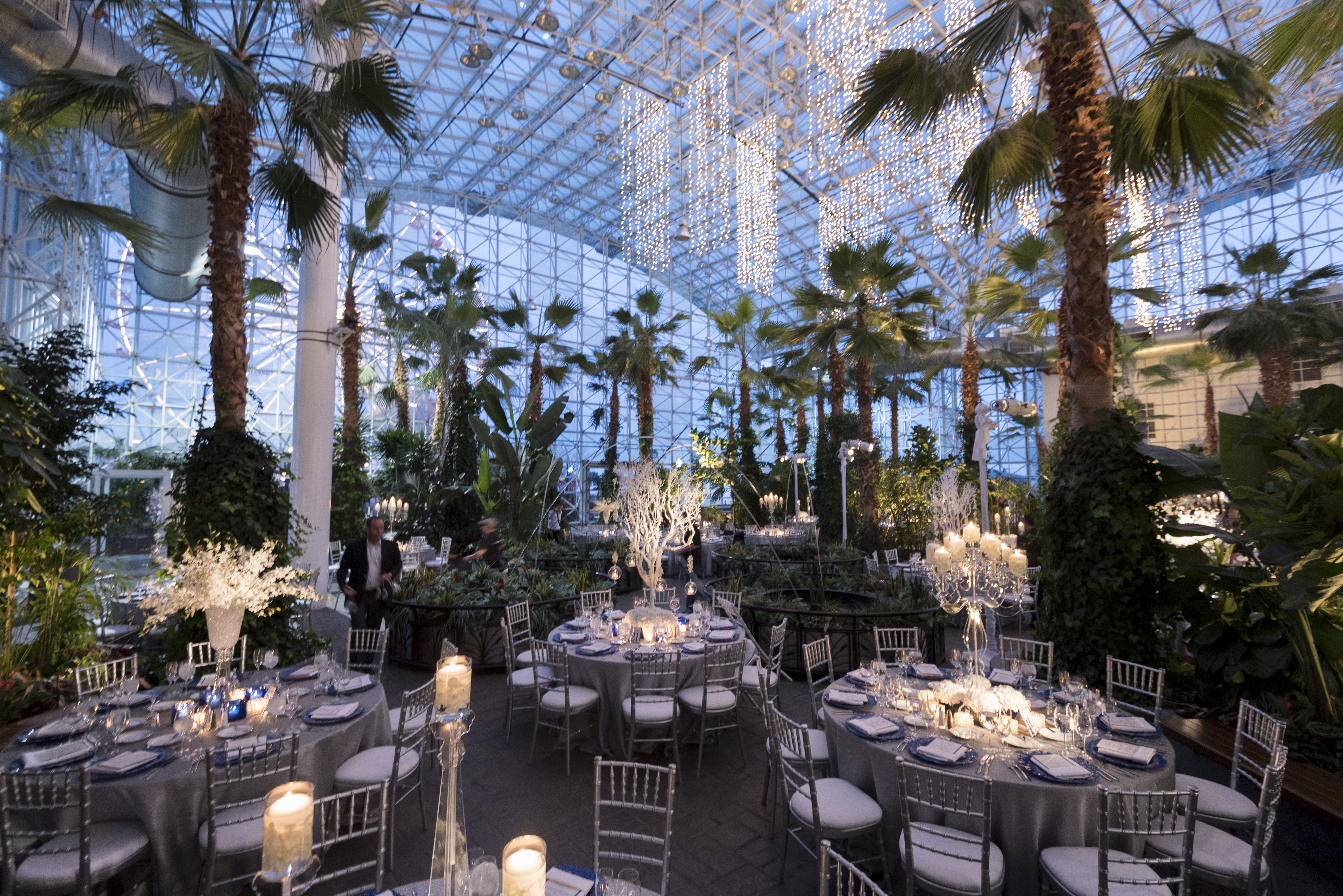 9b93c932bfe3acecc34d8478e4bbaa84 - The Crystal Gardens At Navy Pier Wedding