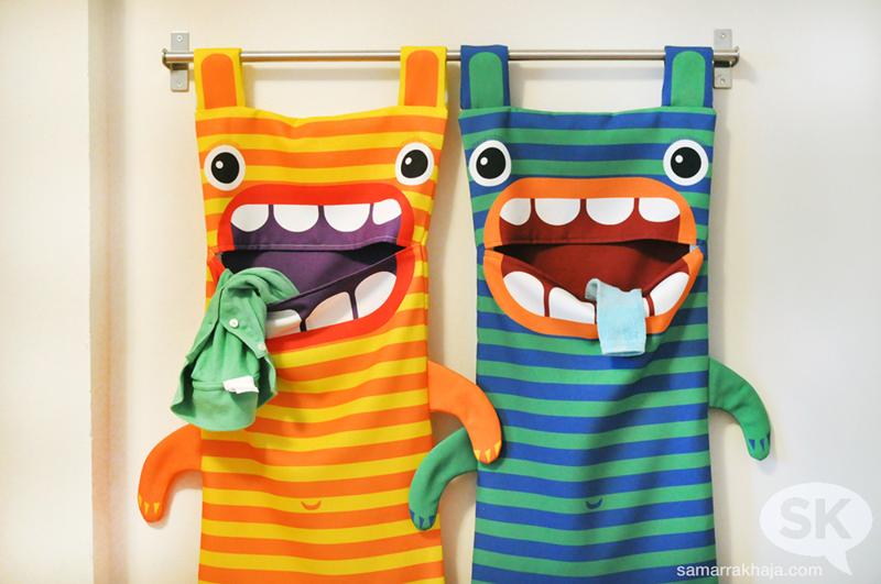 Pyykkipussit, tutoriaalissa tehdään pussit valmiista kankaalle painetuista kaavoista. // Hungry Monster Laundry Bags