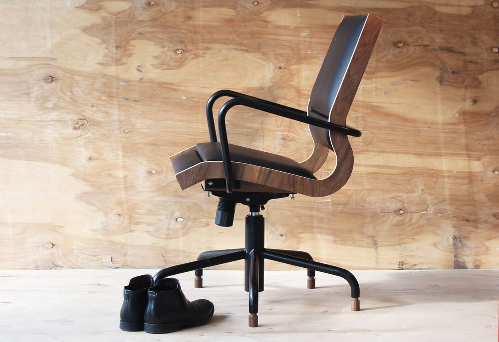 Mexico Based Ricardo Casas Design Created The Minimalist Office Chair Oja1 Designers Are Committed To Creating Innovative Objects With Cutting Edge