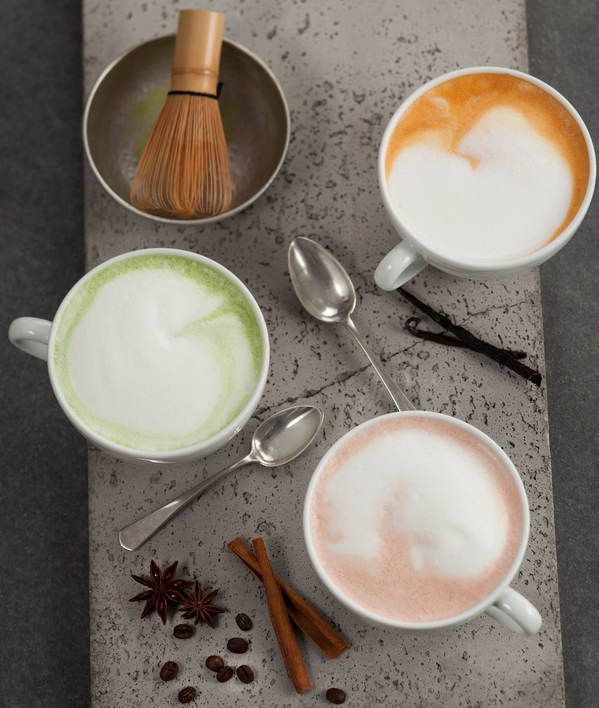 Teezeit bei Balzac ♥ jetzt unsere neuen Winterprodukte Matcha Latte, Rooibos Latte & Espresso Chai Latte probieren. #balzaccoffee #rooiboslatte #matchalatte #espressochailatte #teezeit