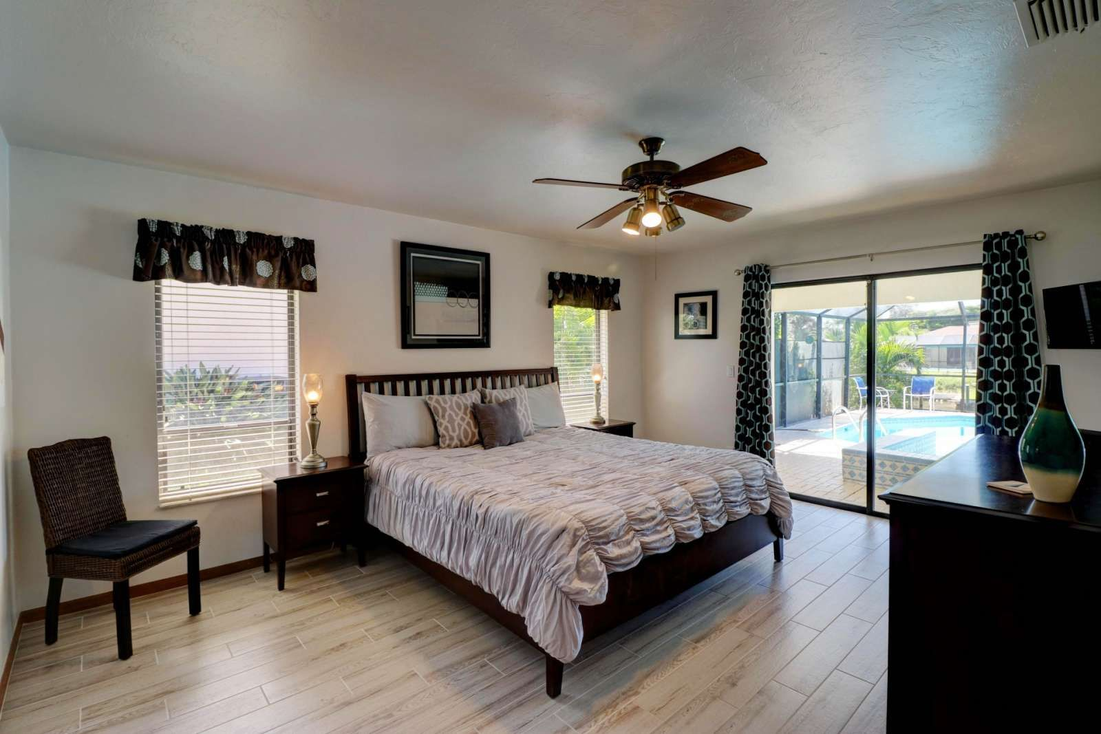 Cape Coral Vacation Rental Beautiful Sw Cape Coral Pool Spa Home On Gulf Access Canal Outdoor Kitchen Free Wifi Parking Home Home Maintenance Vacation