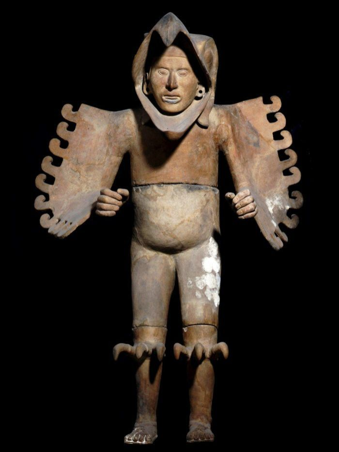 Aztec/Mexica (life-size clay and stucco sculpture of an eagle warrior, front view)