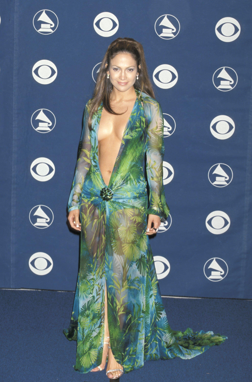 Pin On Jennifer Lopez [ 3000 x 1978 Pixel ]