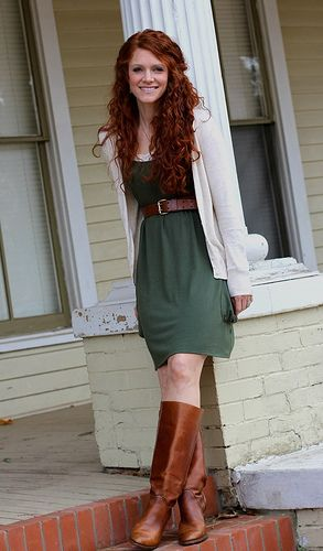 Pin By Grace Krentz On Closet Redhead Outfit Green Dress Outfit Red Hair Outfits