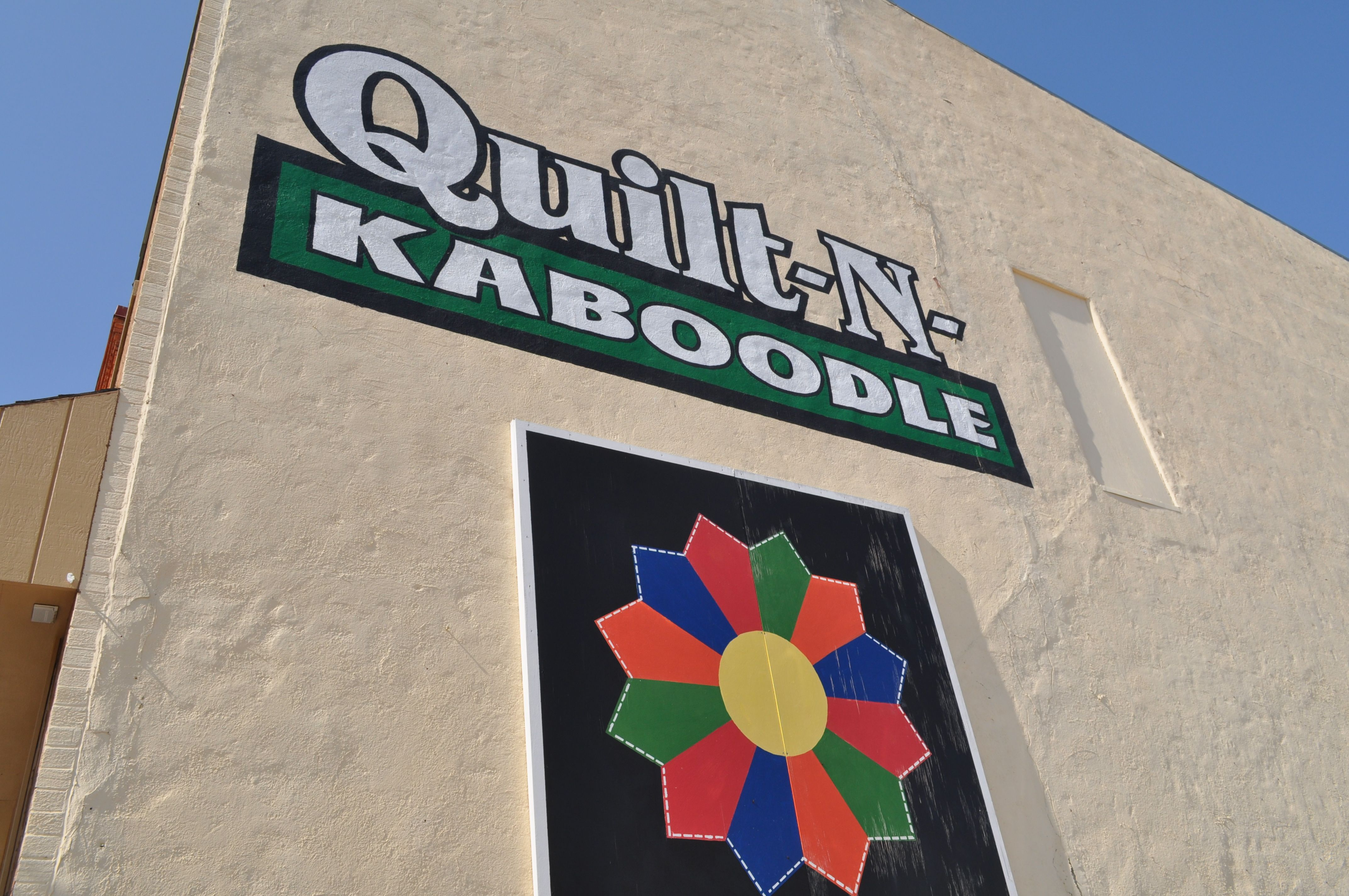 Very Nice Quilt Shop In Cherokee Ia Quilt Shop Quilt Stores Quilts