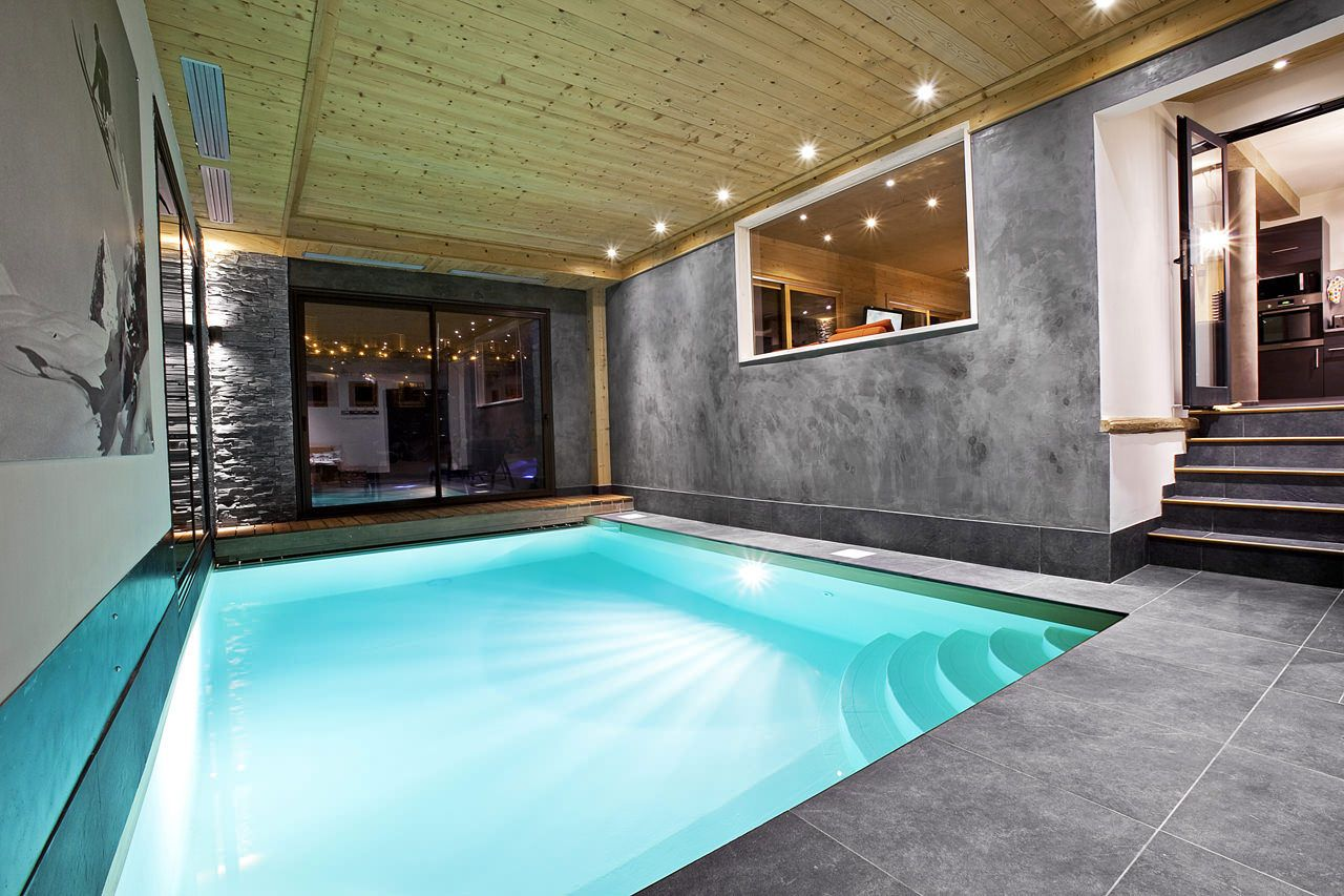 Pool Contemporary Indoor Pools With Wooden Ceiling Decorative And Relaxing Home Plunge Pools Jpg 12 Indoor Pool House Indoor Pool Design Indoor Swimming Pools