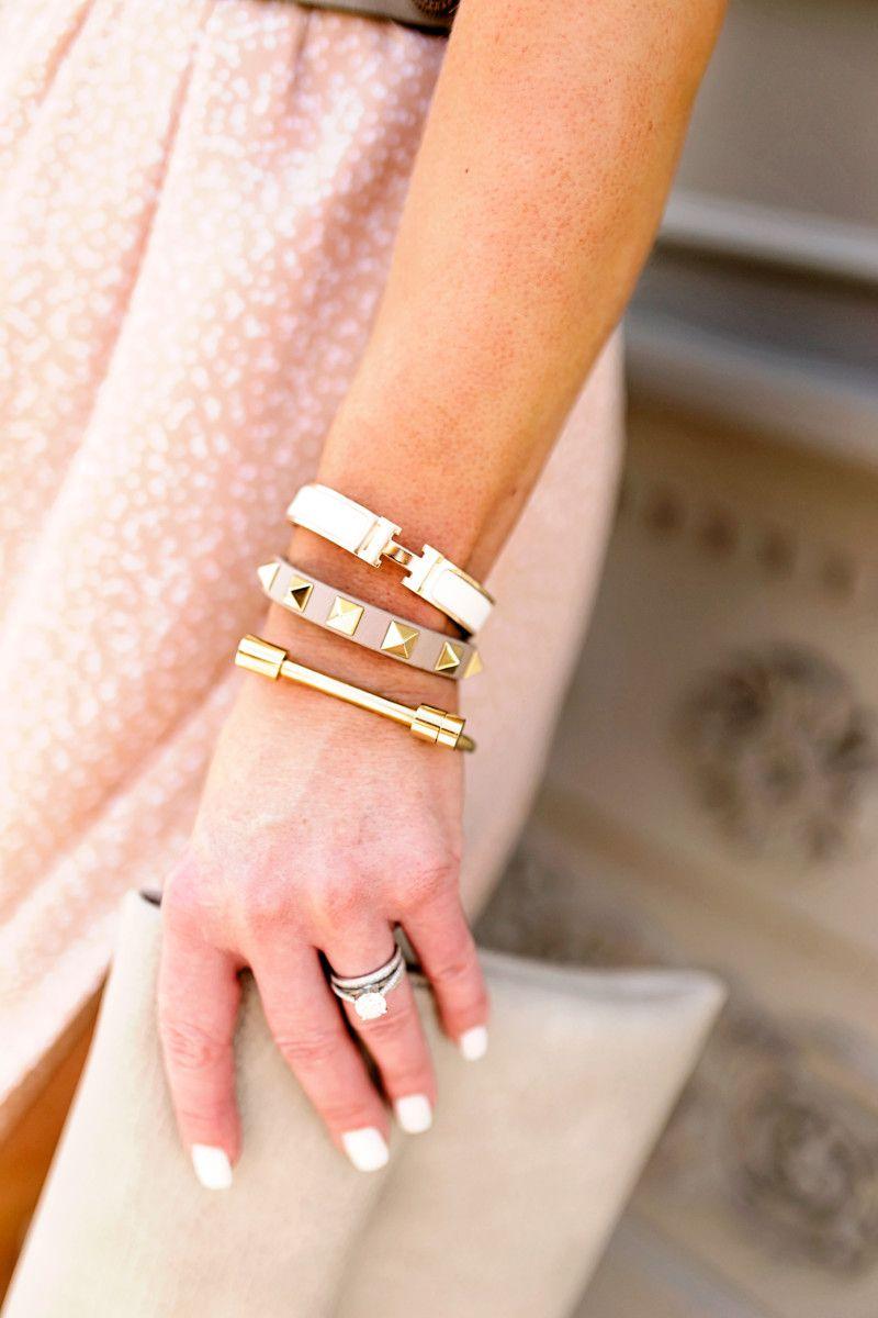 d29395b4b Flynn Skye dress    Neutral Summer Dress    Side Slit Neutral Summer Dress     Chan Luu jewelry    Planet Blue Dallas    Gold Mirrored Sunglasses     Hermes ...