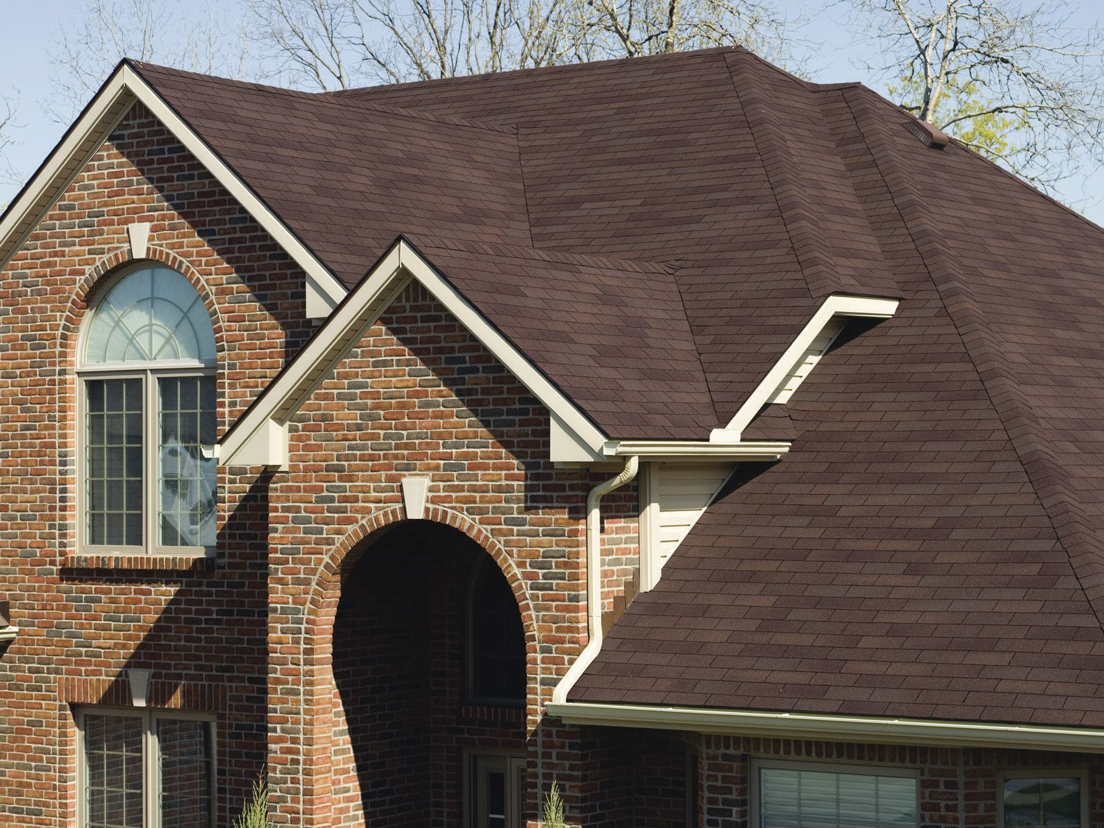 Owens Corning Classic Shingles Give Your Home Good Looks And Lasting Protection Featuring Durable Weathering Grade Asphalt And T Shingling Roof Cost Roofing