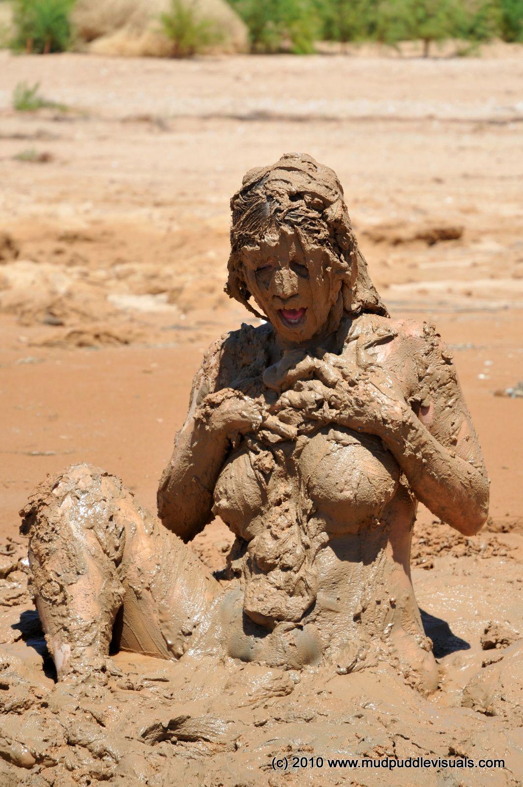 sexy-muddy-girls-gif