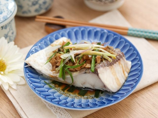 Steamed fish belly with preserved cabbage electric lunch box ideas daydaycook is the hottest new culinary website across asia offering step by step instructions and videos on how to cook chinese food recipes forumfinder Image collections