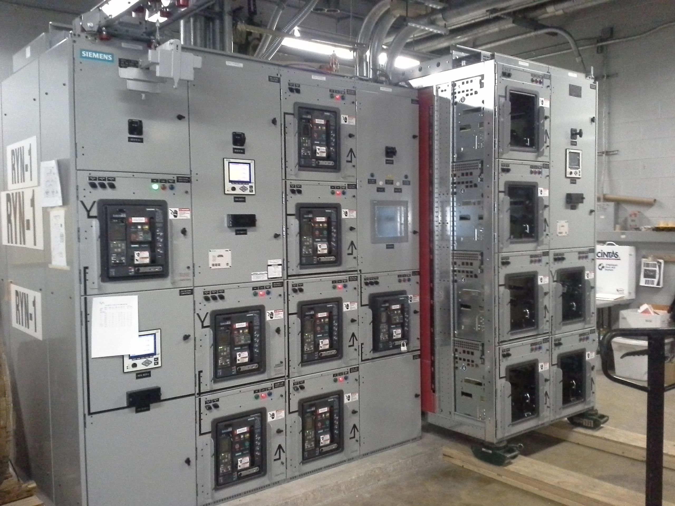 hight resolution of i assisted with and started up siemens switchgear at mwaa headquarters detail on section 5 6 being placed