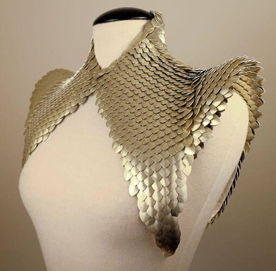 FLARES SCALES neck corset metal scales