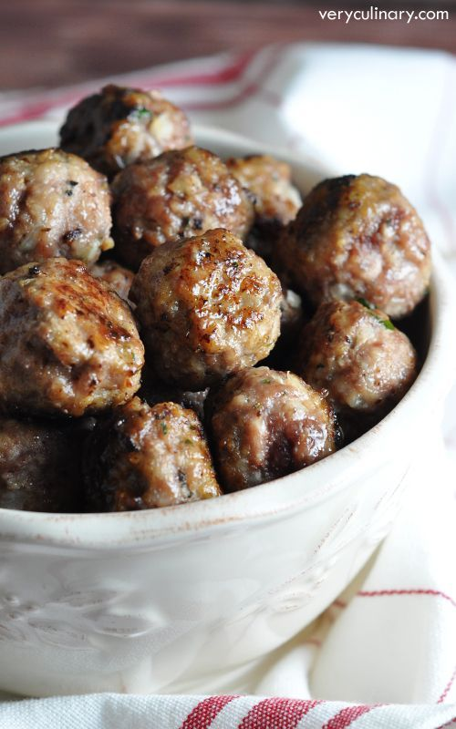 Meatballs A classic, foolproof meatball recipe that will be your go-to. Makes 80, so you can freeze a bunch and have them on hand for later!A classic, foolproof meatball recipe that will be your go-to. Makes 80, so you can freeze a bunch and have them on hand for later!