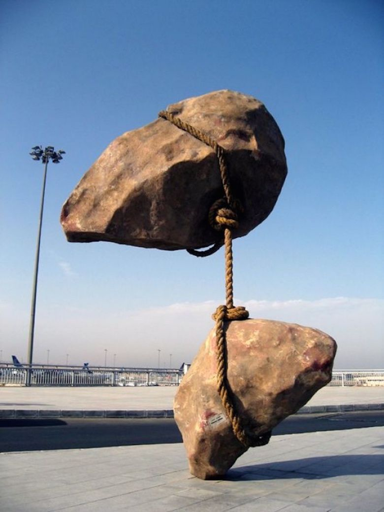 25 Incredible Sculptures That Defy Gravity Street Art Sculpture