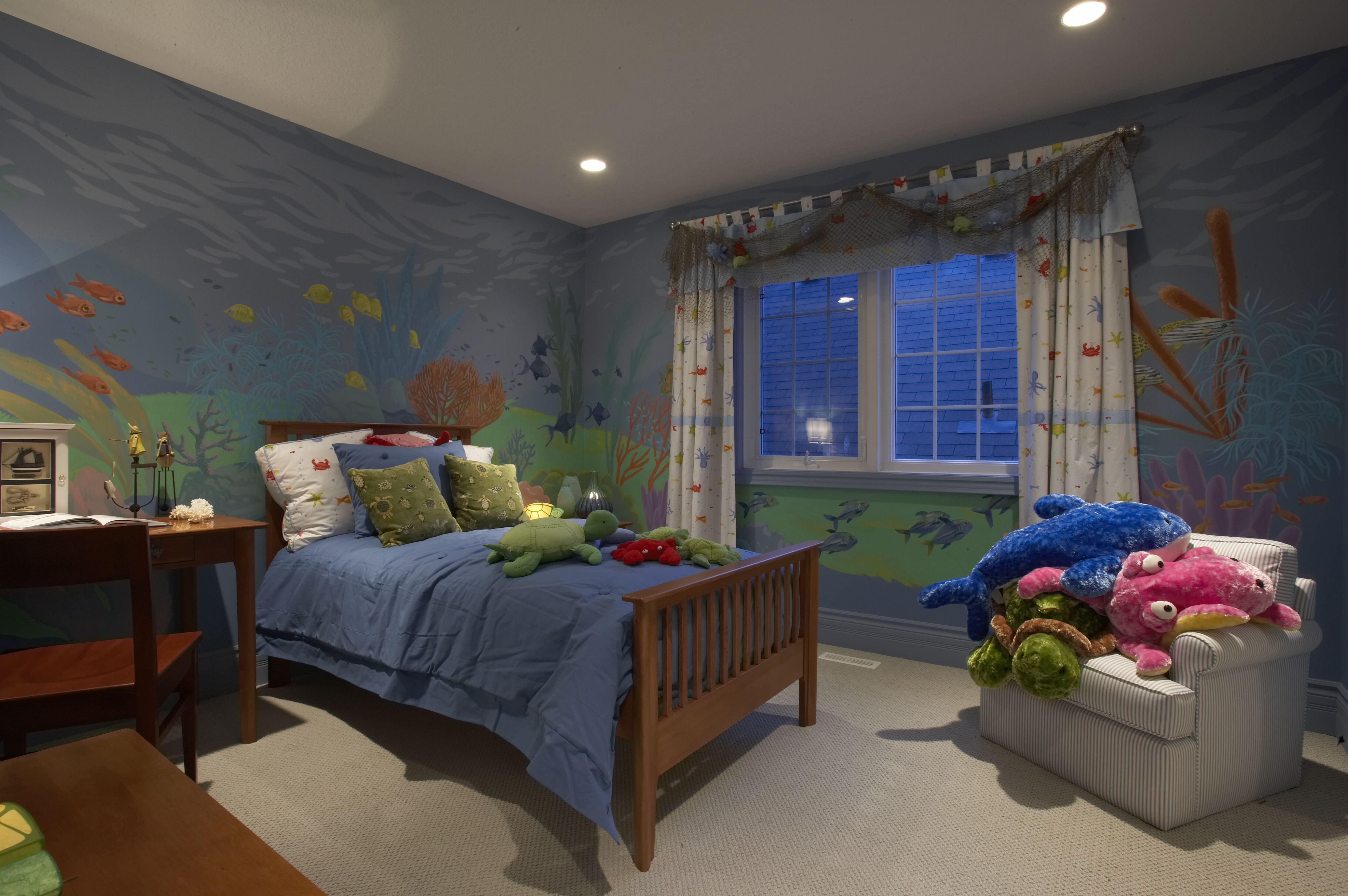 We love this Bronte Creek underwaterthemed bedroom! Wall