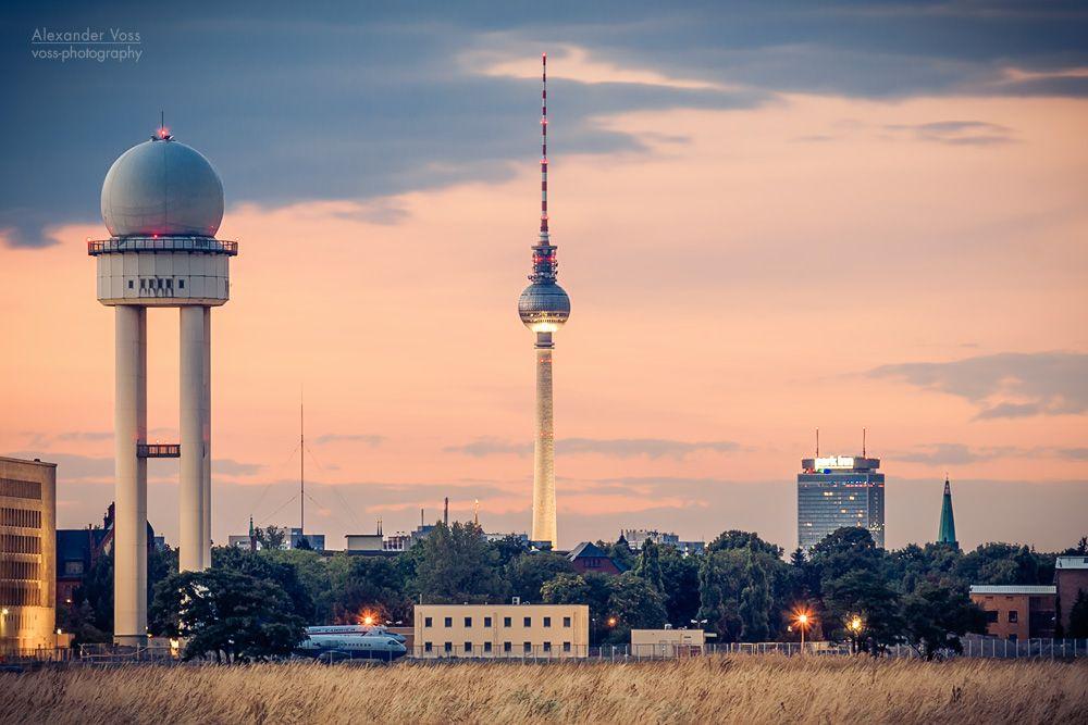 BERLINer Skyline fotografiert vom Tempelhofer Feld