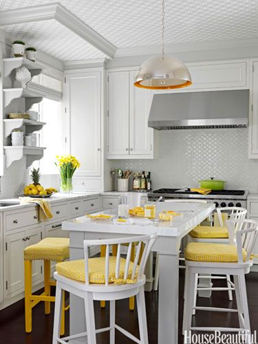 Colorful Kitchen Supplies: 11 Ways To Add Sparkle To Your Home