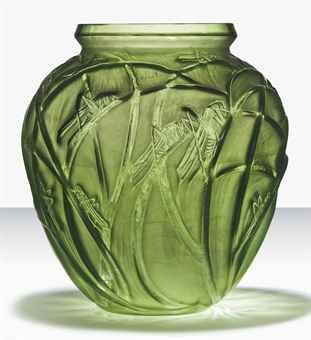 Lalique - SAUTERELLES VASE, NO. 888