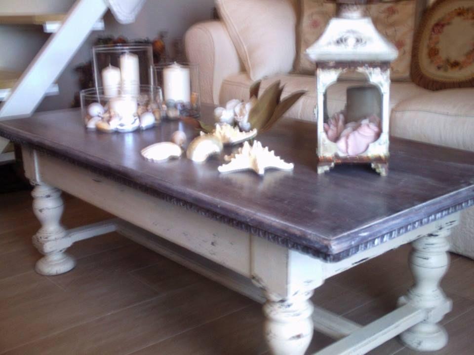 Nella camera degli ospiti il tavolino della casa dei miei for Design della camera degli ospiti
