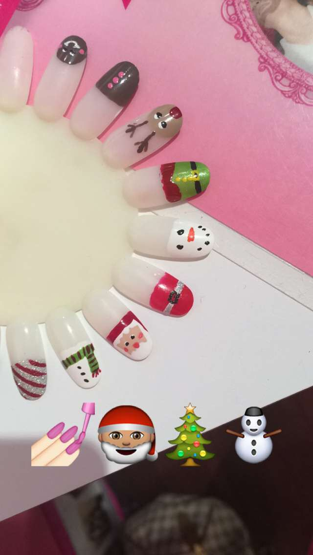 #christmas #glamagal #nails #nailart #christmasnailart #xmas #nail #art #xmasnailart @terracable