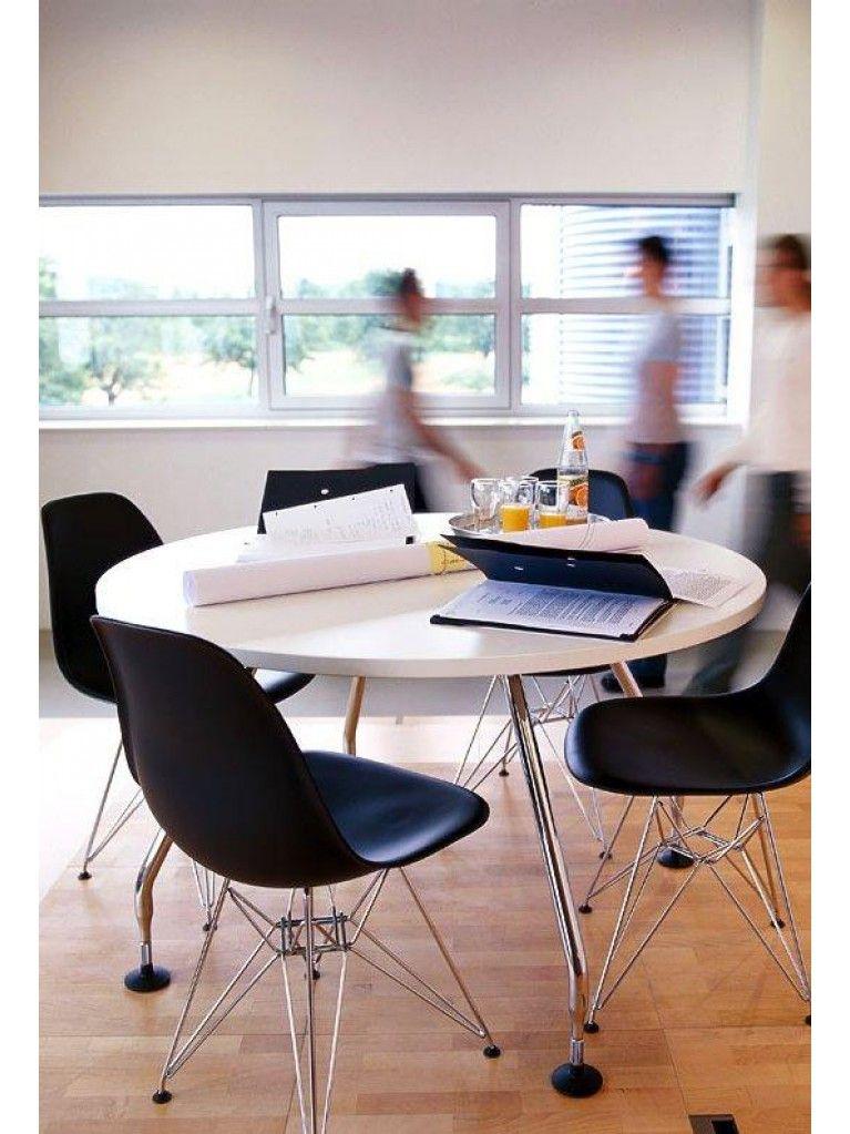 Perfekt Die Designer Charles U0026 Ray Eames Sind Vor Allem Für Die Brillanten Designs  Im Bereich Der Stühle Bekannt. Und Ihr Können Stellen Sie Mit Dem Vitra DSR  ...