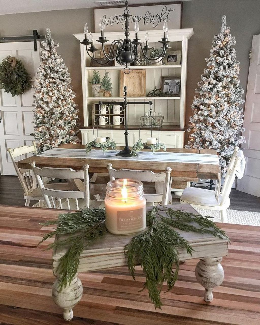 100 beautiful christmas home decoration ideas - Apartment Christmas Decorating Ideas
