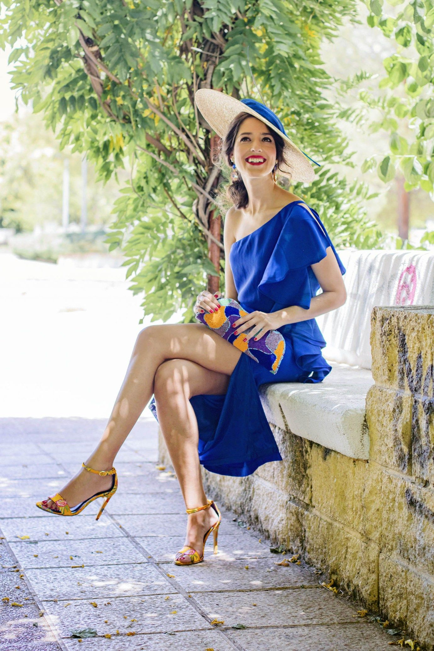 81e318145 Look invitada de mañana: la falda azul | Invitada Perfecta | Moda en ...