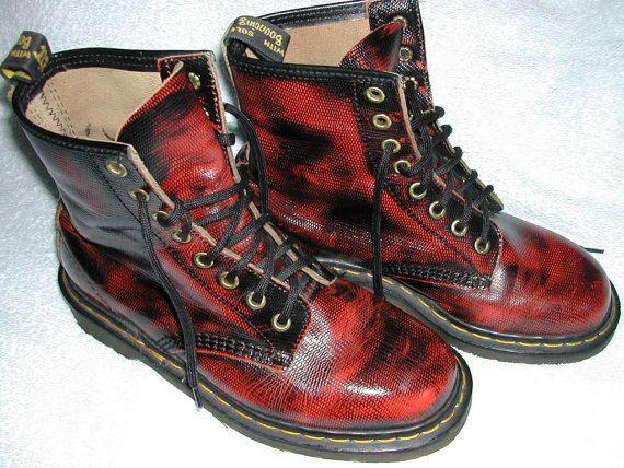 Rare 90s Doc Martens Black Red Snakeskin-Like Textured Leather Boots US 7 UK  5 EU 38