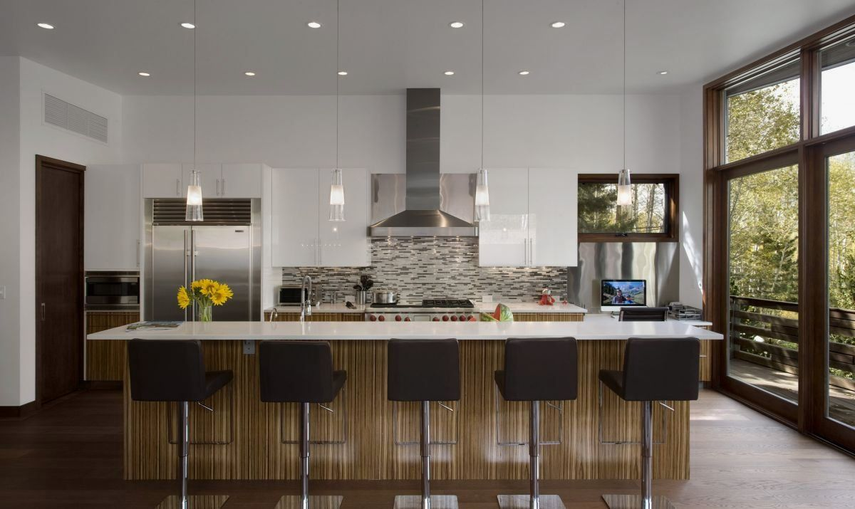 contemporary house styles   : Small Contemporary House in