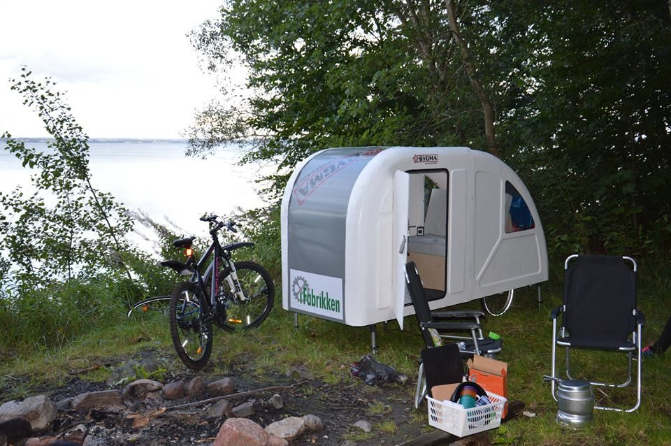 den camping anh nger kann jetzt auch das fahrrad ziehen. Black Bedroom Furniture Sets. Home Design Ideas