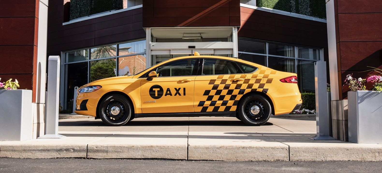 Ford Introduces New Hybrid And Diesel Taxis Http Www Autotribute Com 48685 Ford Introduces New Hybrid And Diesel Taxis Newyo Taxi Ford Super Cars