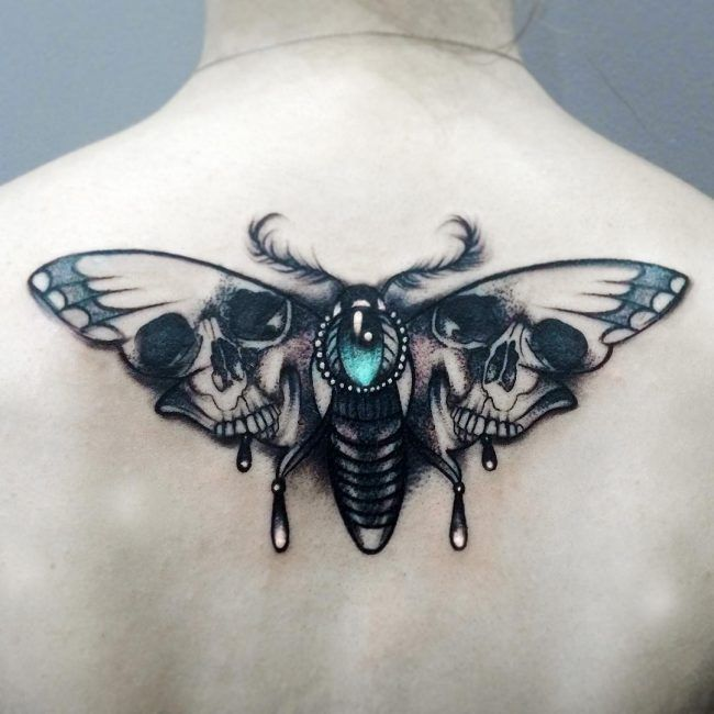 85 Wondrous Moth Tattoo Ideas Body Art That Fits Your Personality Tattoo Bedeutungen Motten Tattoo Tattoo Hals
