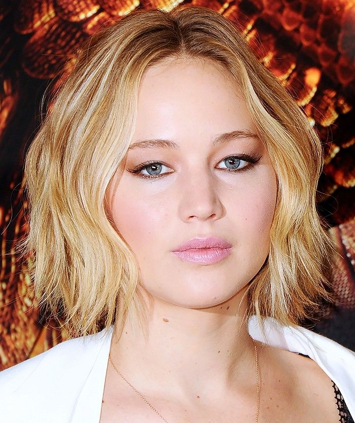 Found 14 Of The Best Hairstyles For Round Faces Jennifer Lawrence Hair Hairstyles For Round Faces Medium Hair Styles