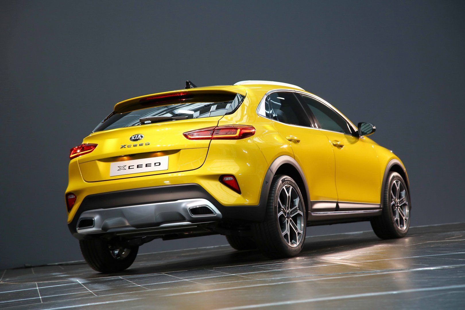You Can Order The Brand New Kia Xceed Crossover In Britain From 20 795 Carscoops Kia Kia Ceed Kia Sportage