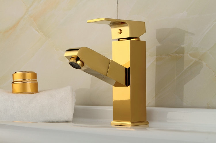 76.94$  Buy now - http://alib3j.worldwells.pw/go.php?t=32710561981 - Solid Brass Gold-plated golden basin faucet bathroom pull out single handle mixer taps bathroom deck mounted faucets 76.94$