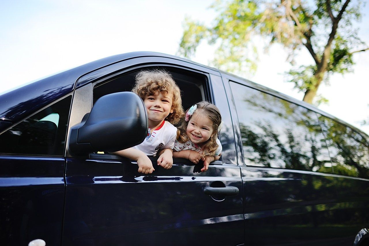 How to Save Money When Renting a Car for a Large Family