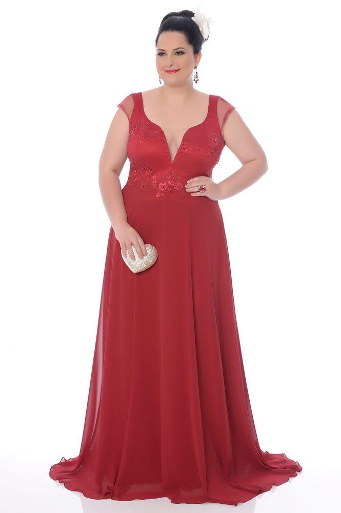 f1361d72b 10 vestidos de festa plus size perfeitos para madrinhas ou formandas! -  Madrinhas de casamento