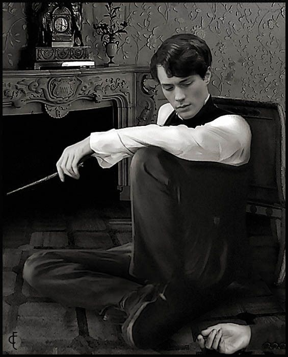 Tom Riddle, lookin good with a nose, and apparently just murdered someone who is lying in the corner?