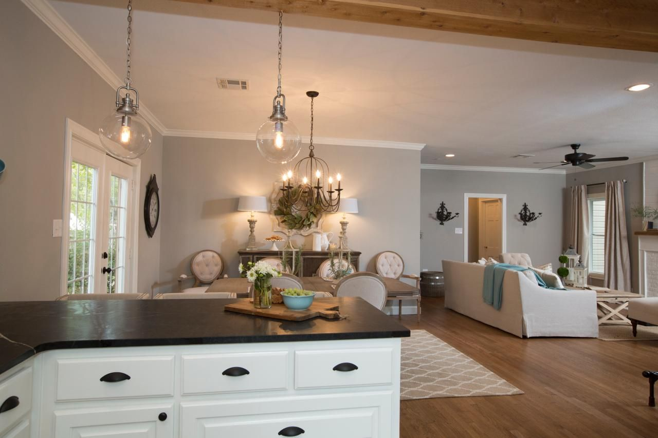 Photos hgtv 39 s fixer upper with chip and joanna gaines for Kitchen ideas joanna gaines