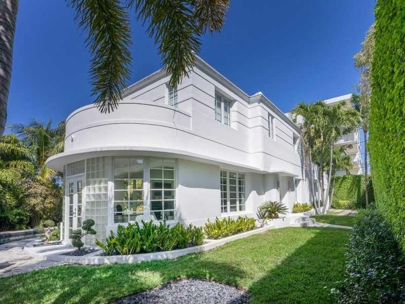 Miami Beach Art Deco Masterpiece For Sale Beach Art Deco Miami Art Deco Art Deco Buildings