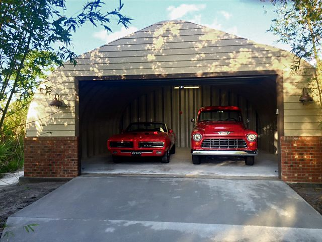 Man Cave Sheds And Garages : Cool garage turned into man cave style