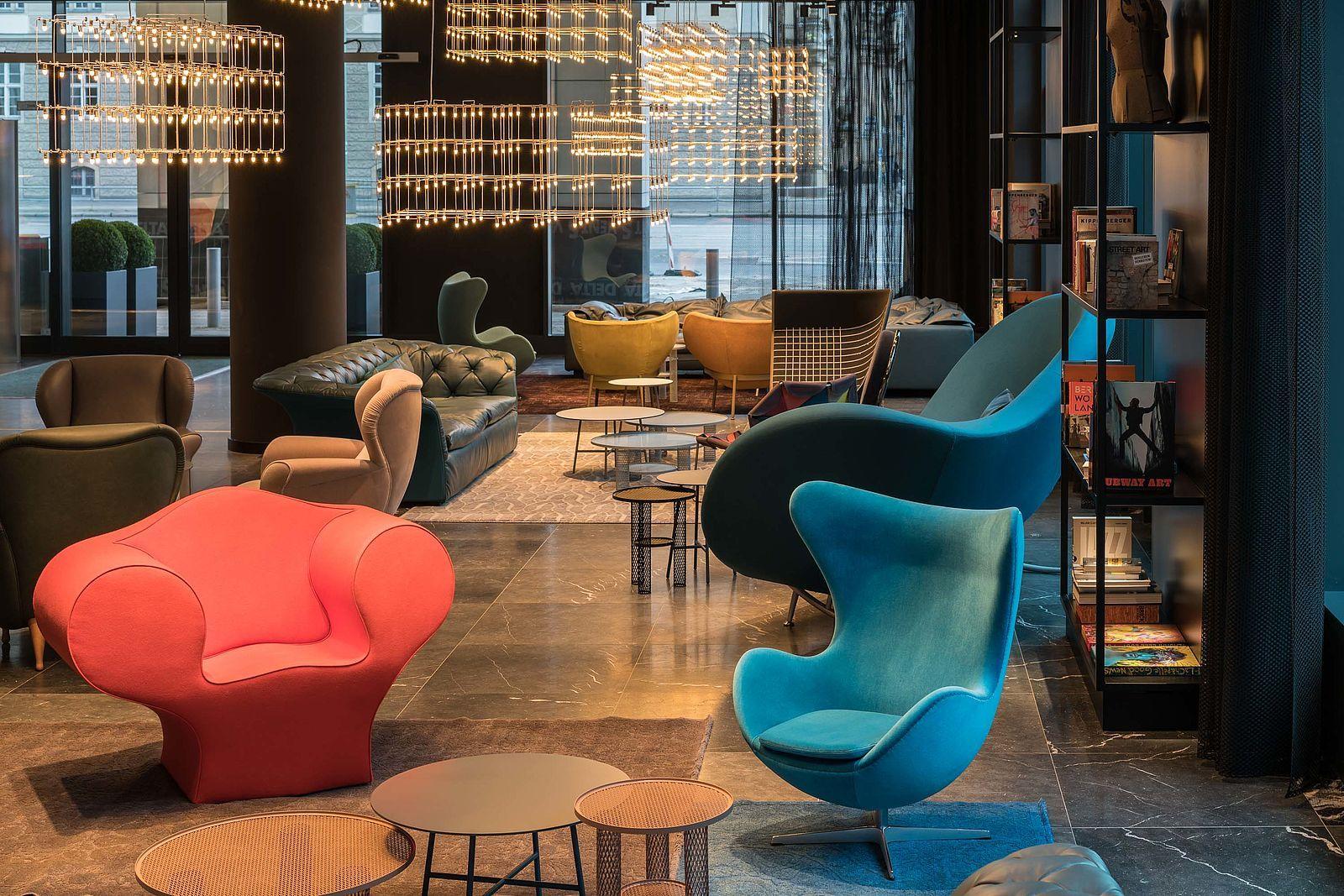 Hotel Berlin Alexanderplatz Motel One In 2020 Berlin Hotel New Berlin One Design