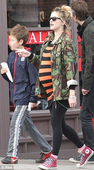 huge inventory amazon top fashion Pregnant Fearne Cotton spends time with her blended family ...