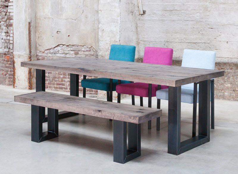 wat vind jij van deze eettafel met trendy gekleurde On eettafel met gekleurde stoelen
